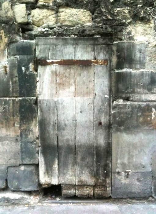 porte en bois, rue d'Assas