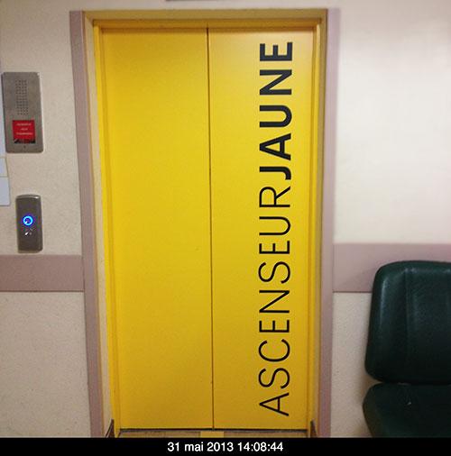 rothschild_jaune_ascenseur