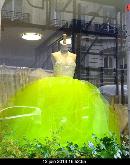 Robes de mariées : le vert fluo est le nouveau blanc  Switchie5