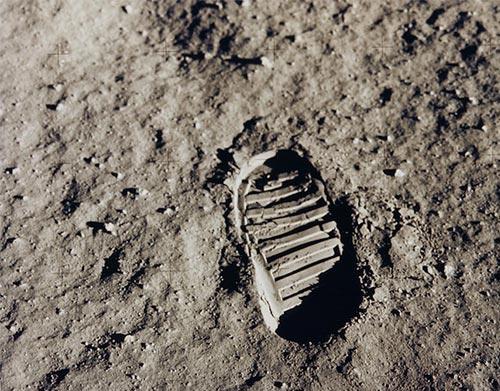Lune_NASA_apollo11_fbotprint_500